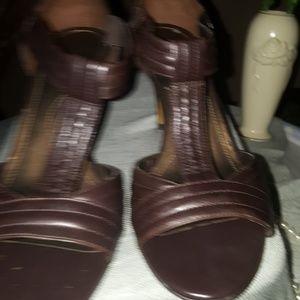 Size 10 Brown Tahari Heels.